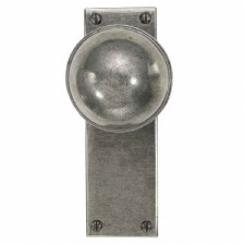 Finesse Beamish Door Knobs on Latch Plate FD038 Solid Pewter
