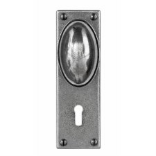 Finesse Lincoln Door Knobs on Lock Plate FD192 Solid Pewter