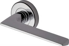 Heritage Pyramid Round Rose Door Handles PYD3535 Polished Chrome