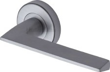 Heritage Pyramid Round Rose Door Handles PYD3535 Satin Chrome