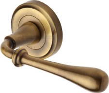 Heritage Roma Round Rose Door Handles V7155 Antique Brass Lacq