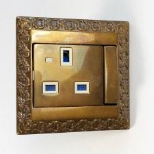 FEDE Sans Sebastian Single 13Amp Socket - Aged Brass