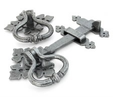 From The Anvil Shakespeare Ring Handle Set Pewter Patina