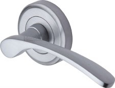 Heritage Sophia Round Rose Door Handles V1900 Satin Chrome