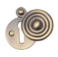 Heritage V972 Reeded Covered Escutcheon Antique Brass