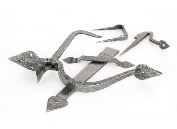 From The Anvil Tuscan Thumb Latch Pewter
