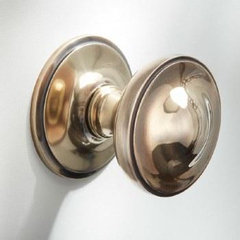 "Centre Door Knob 3"" Renovated Brass"