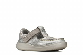 Clarks 'Cloud Rosa' Girls First Shoes (Metallic)