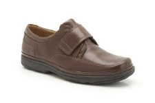 Clarks 'Swift Turn' Wide Fitting Mens Shoe (Walnut)