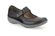 Clarks 'Wave Journey' Comfort Shoes (Black)