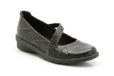 Clarks 'Fernley Dixie' Casual Shoes (Black)