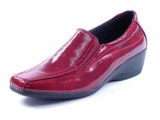 Heavenly Feet 'Sierra' Ladies Comfort Shoe (Claret Patent)