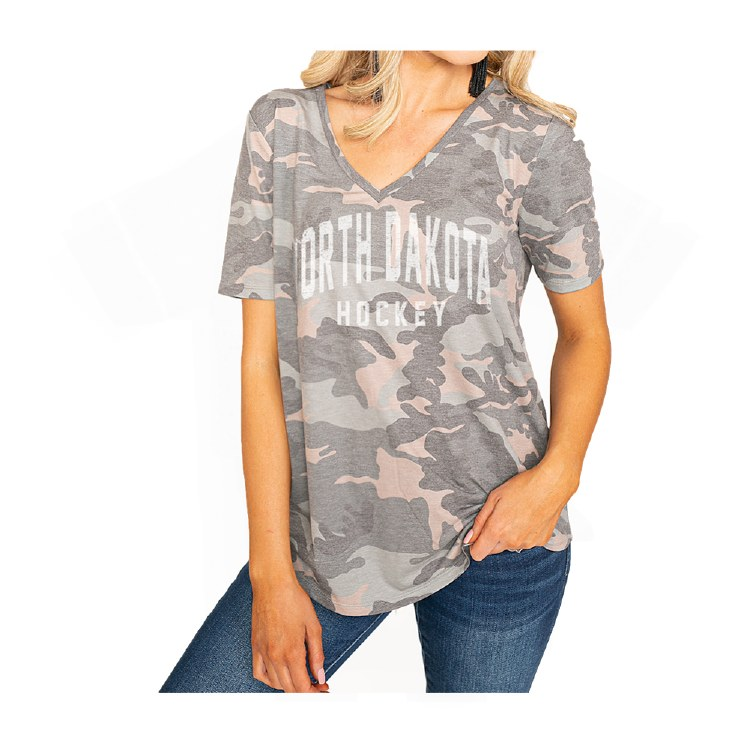 NORTH DAKOTA HOCKEY NO HIDING CAMO V-NECK