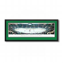 FIGHTING SIOUX HOCKEY V. HARVARD PANORAMIC DELUXE FRAMED PHOTO CAPTURED 12/31/11