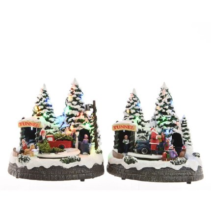 Christmas LED Forest Scene With Movement 19x18x20cm Battery Operated