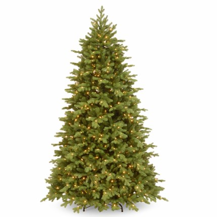 Christmas Fraser 7.5 Foot Pre-LIt Artificial Christmas Tree With 750 Warm White Lights