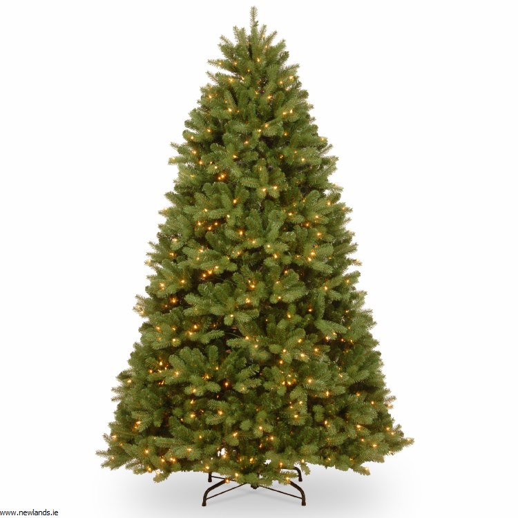 Christmas Tree White Lights.Fairmont Cedar 7 5 Foot Pre Lit Artificial Christmas Tree With 750 Warm White Lights