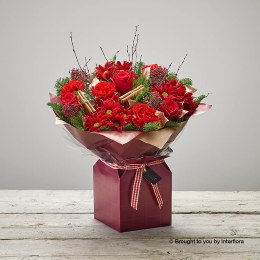 Flaming Reds Gift Box Plus