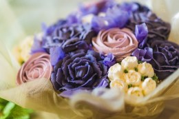 Floral Cupcake Box of 7 Mauve & White
