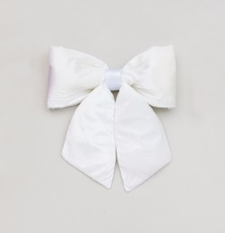 Christmas Bow Plush Cream 68cm