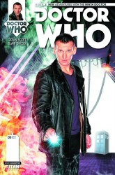 DOCTOR WHO 9TH #5 (OF 5) SUBSCRIPTION PHOTO