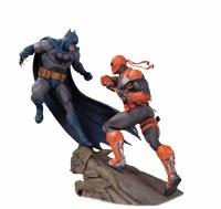BATMAN VS DEATHSTROKE BATTLE STATUE