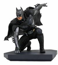 DC GALLERY INJUSTICE 2 BATMAN PVC STATUE