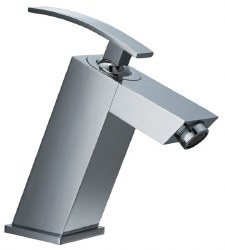 Single-lever Modern Square Lavatory Faucet in Polished Chrome