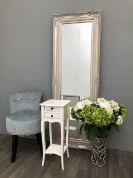 Pair sml rubbed white bedside