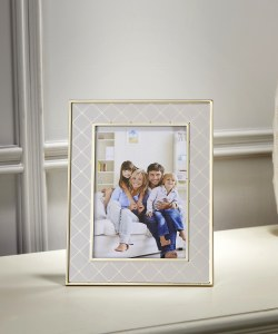 """5"""" x 7"""" Gold and White Frame"""
