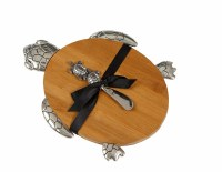 """11.5"""" x 9"""" Turtle Cutting Board With Spreader"""