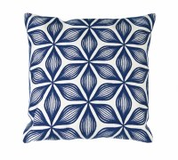 "17"" Square Blue Flower On White Pillow"