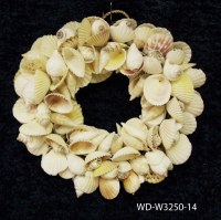 "14"" Round White Shell Wreath"