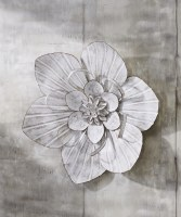"""18"""" Antique White Finish Flower Metal Wall Plaque"""