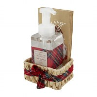 17 oz Winter Berry Hand Soap With Tan Merry Guest Towels in a Water Hyacinth Basket by Mud Pie