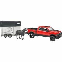 Pick-up Dodge Ram avec remorque