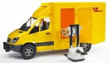 Camion DHL avec transpalette