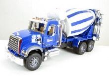 Camion bétonnière Mack Granite