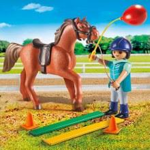 Écuyère et cheval