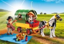 Enfants avec chariot et poney