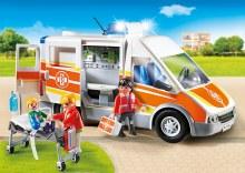 Ambulance avec gyrophare et sirène