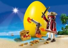 Pirate avec cannon et trésors