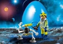 Agent de l'espace avec robot
