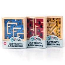 Petit labyrinthe de bois