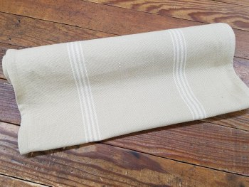 """Toweling 16"""" Flag Day Cream St"""
