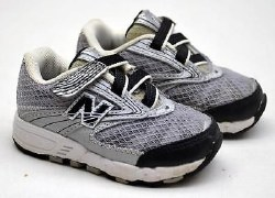 New Balance Toddler shoes v strap velco silver and black 02