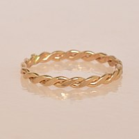 Able Ivy Ring - Gold