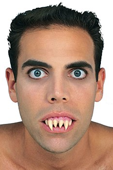 Ghoul Pointy Horror Teeth