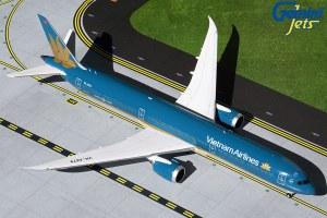 1:200 Scale Boeing 787-10 Dreamliner Vietnam Airlines VN-A879 - HVN892