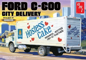 """1:25 Scale Ford C-600 City Delivery """"Hostess Cake"""" - AMT1139"""
